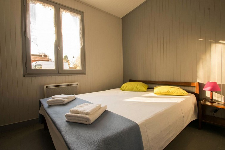 877502 - 5/7 people - 2 bedrooms - 2 'épis' (ears of corn) - Les Cars