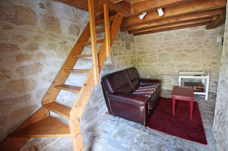 875303 - 3 pers - 1 ch  - 3 épis - Peyrat le Château