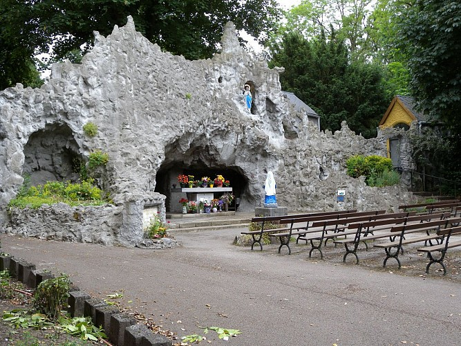 Grotto of Our Lady in the hamlet of Monsville