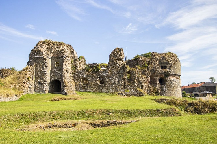 Le château féodal de Montcornet