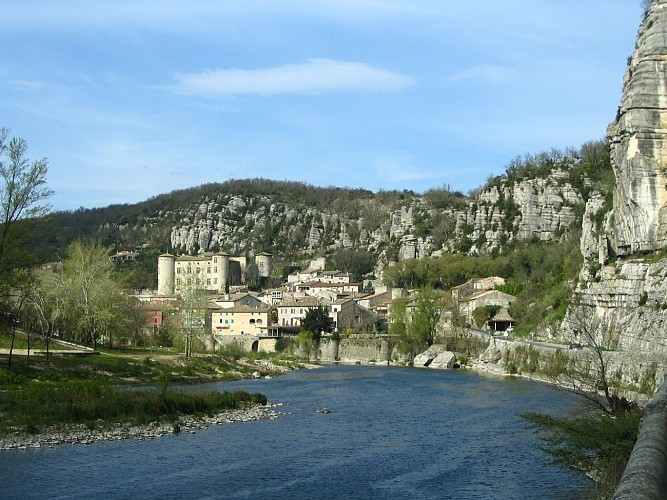 Villeneuve de Berg  - Vogüé - Balazuc