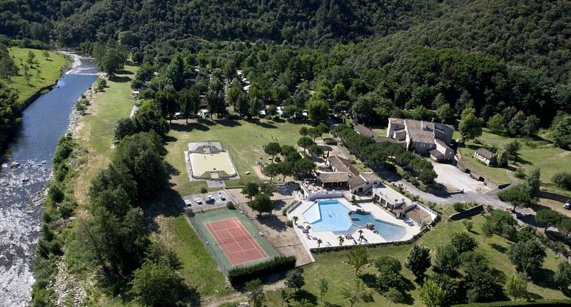 Camping 4 étoiles locations de gites en Cévennes