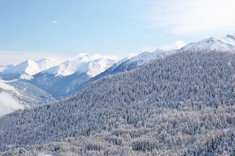Panorama sur la vallée de la Maurienne et la Croix des Têtes