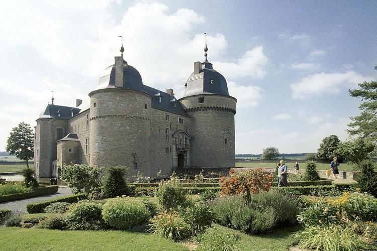 Le château de Lavaux-Sainte-Anne