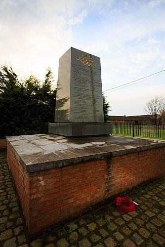 Monuments aux alliés anglais, hollandais, allemands et « belges »