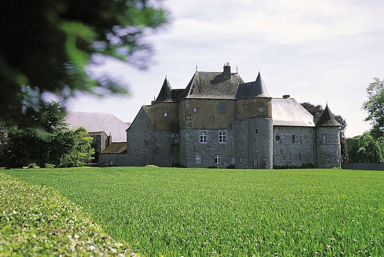 Leers-et-Fosteau castle