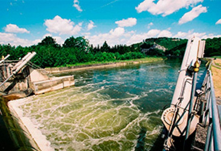 Halte fluviale d'Houx