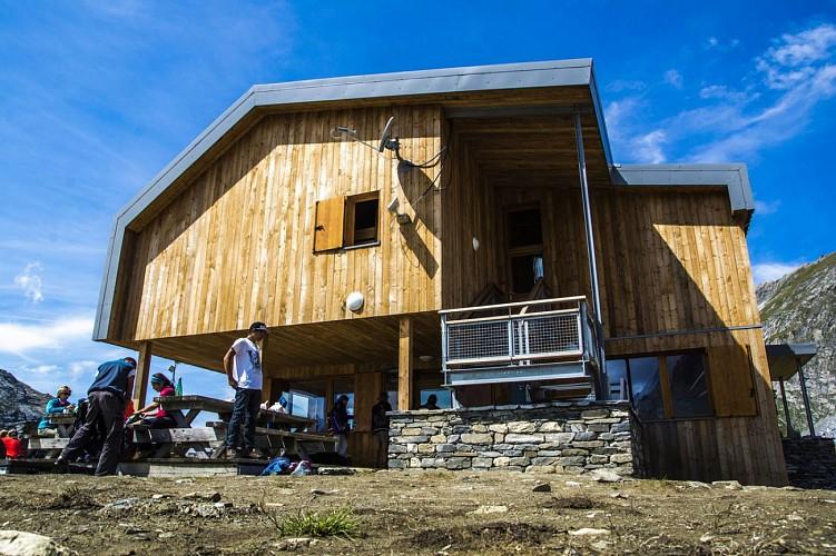 Refuge refuge du col de la vanoise pralognan la vanoise - Office du tourisme pralognan la vanoise ...