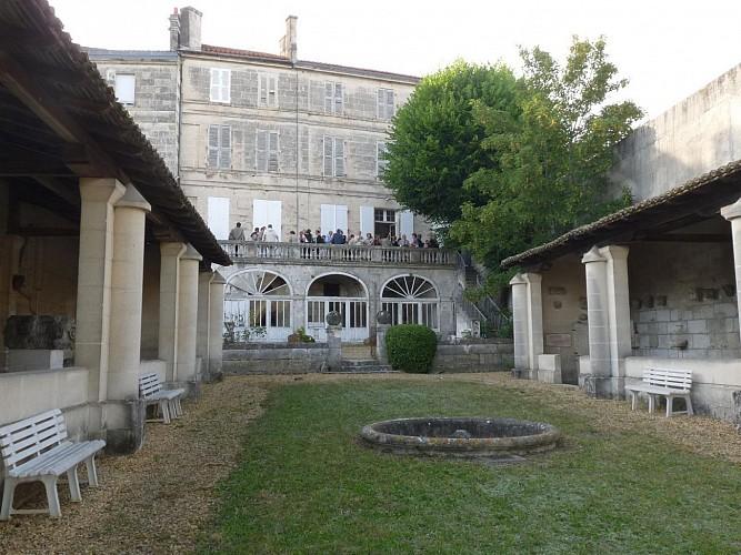 Musée de la société archéologique et historique de la Charente