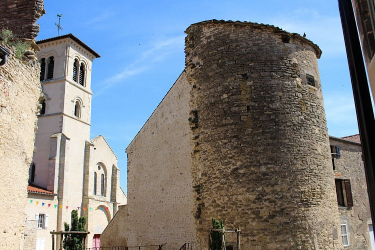 Tour et fortifications