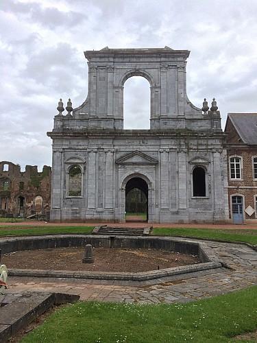 Abbaye d'Aulne et ses ruines