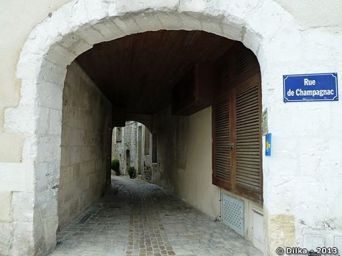 Rue médiévale de Champagnac