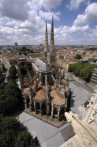 Cathédrale Saint-André (12e - 16e siècles) et Tour Pey-Berland (15e siècle)
