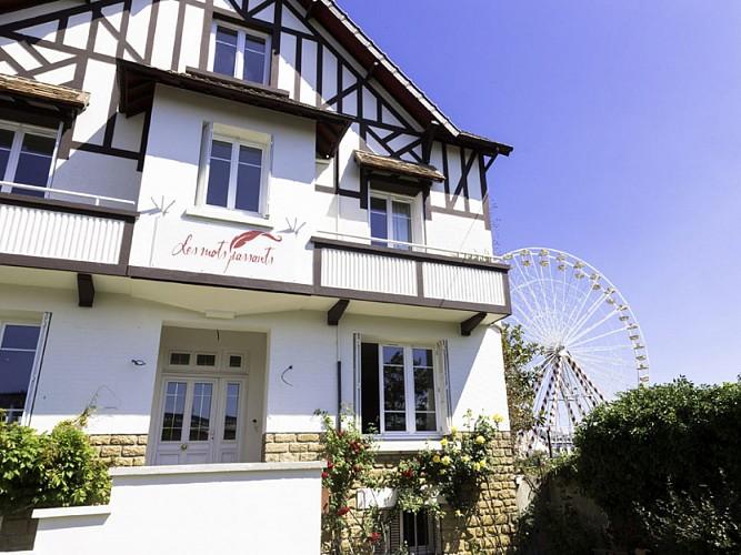 Villa Les Mots Passants