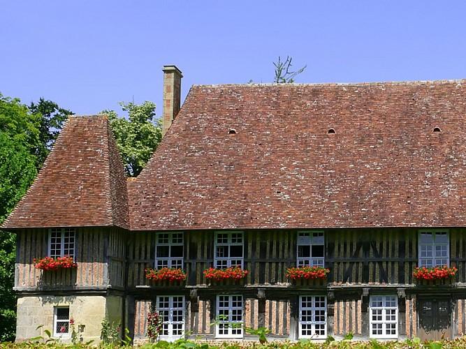 Bellou Manor