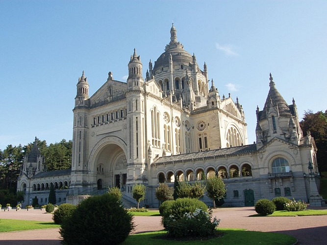 Basilica of Sainte-Thérèse