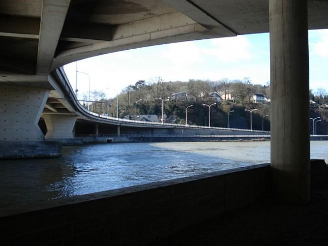 Pont d'Yvoir