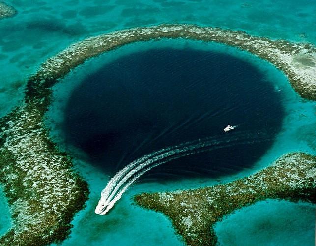 Le Grand Trou Bleu - The Great Blue Hole