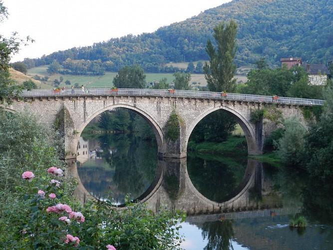 Le Pont d'Olt ou Pont Notre Dame