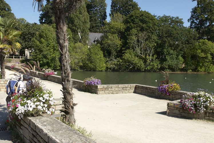 Divers place de la baie la foret fouesnant - Office de tourisme la foret fouesnant ...