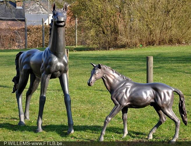 Les chevaux en bronze