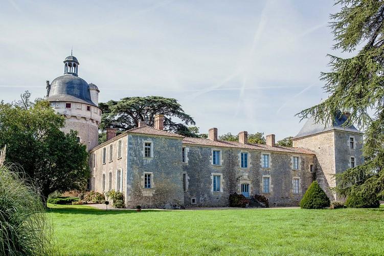 le Chateau de Bessay