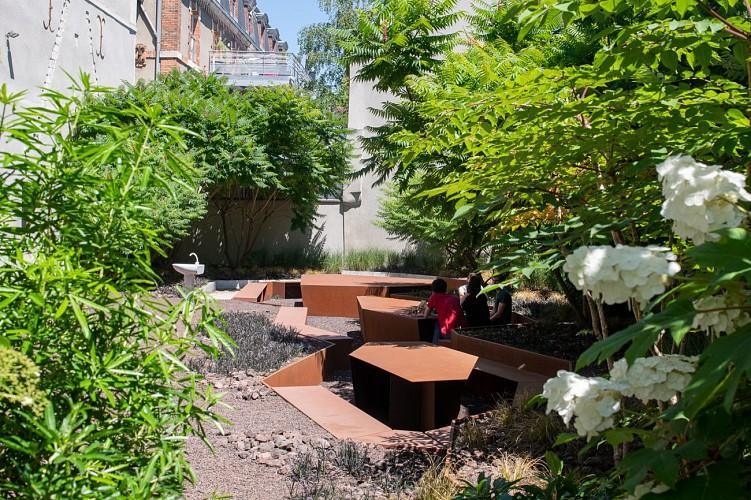 "FRAC Le jardin ""La faille"""