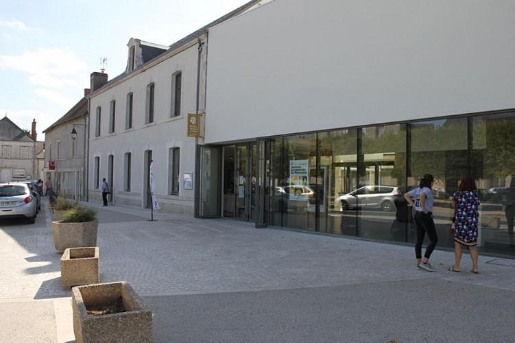 Parcours marche le bourg et le port saint benoit sur loire - Office de tourisme bourg saint andeol ...