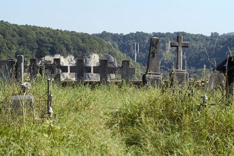 La tour et le cimetière Saint-Martin