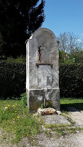 Pompe à eau et croix du Marteroy