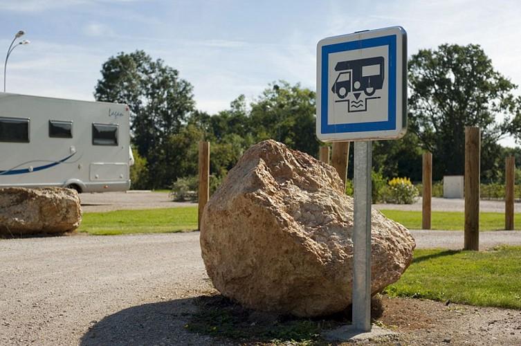 Aire de camping-car Sully-sur-Loire 2