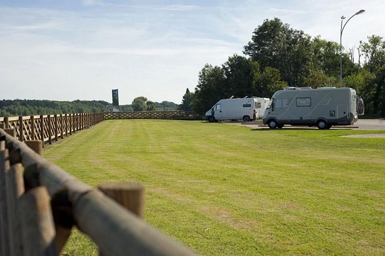 Aire de camping-car Sully-sur-Loire 4