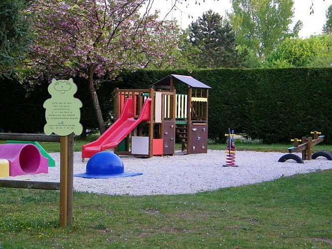 Camping le Jardin de Sully _ Aire de jeux