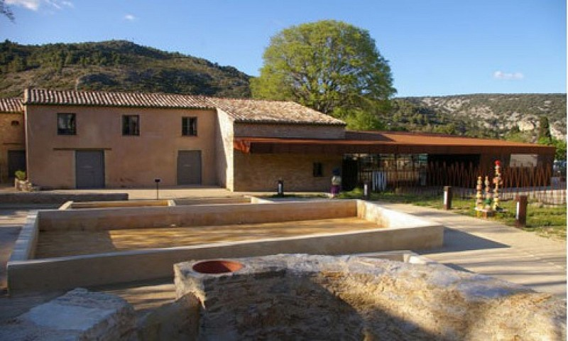Musée Argileum de la poterie à Saint Jean de Fos