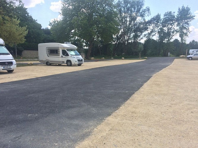 AIRE CAMPING-CARS DE MONTREUIL-BELLAY
