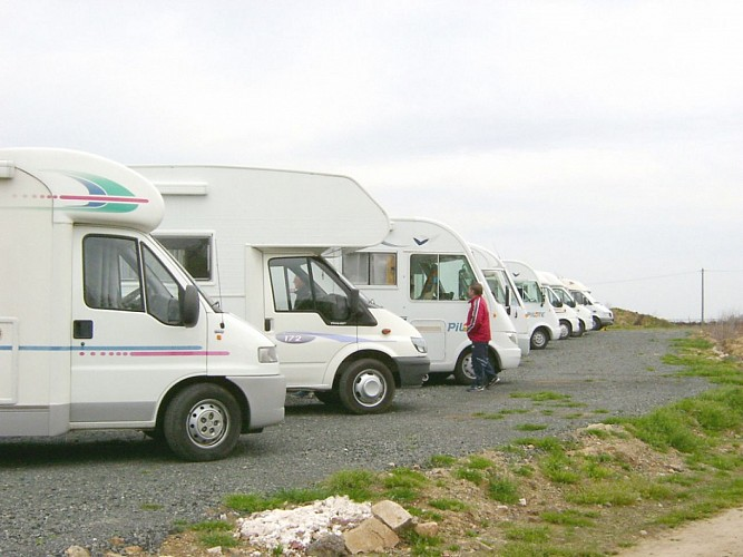AIRE DE SERVICE CAMPING-CAR, DOMAINE DES CROIX,  MAISDON SUR SEVRE