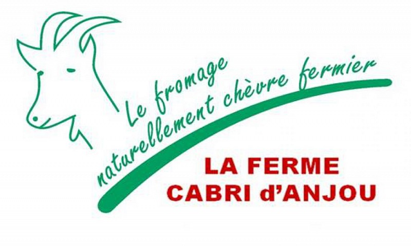 AIRE D'ACCUEIL CAMPING CAR FERME CABRI D'ANJOU
