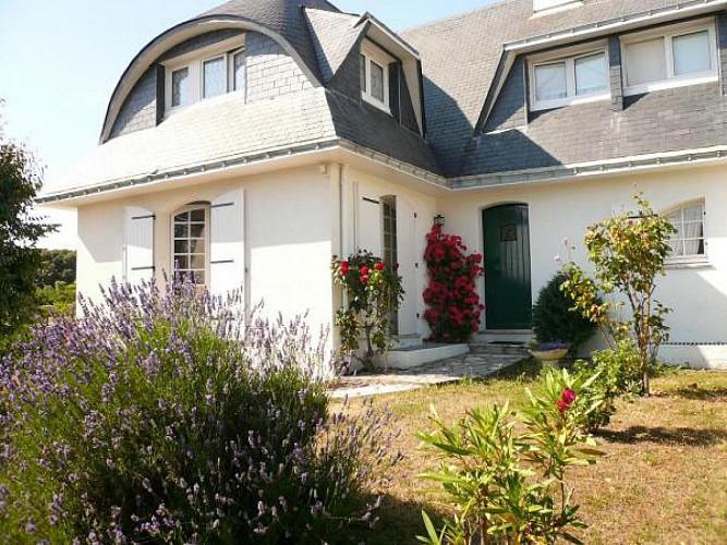 Chez M. et Mme Pasquier