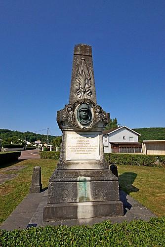 Monument au Lieutenant Georges-Albert Thomas