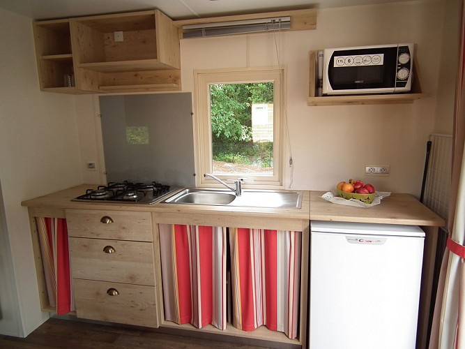 ROULOTTE CAMPING LA PINDIERE