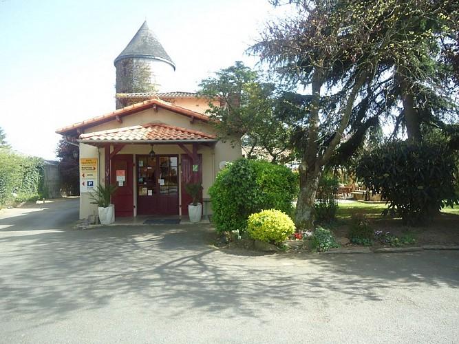 HOTEL LE DON QUICHOTTE