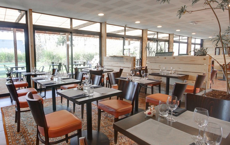 LE CHIWEE'S BISTROTISSERIE