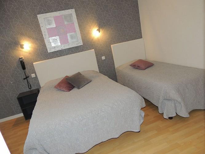 HOTEL RESTAURANT LE GUE DE GENES