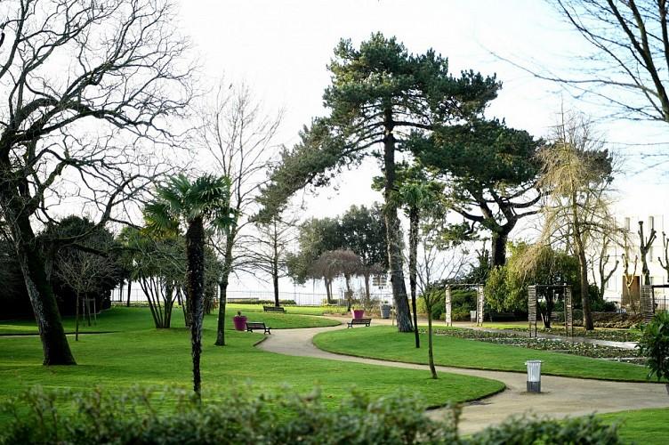 AIRE DE JEUX - JARDIN DES PLANTES
