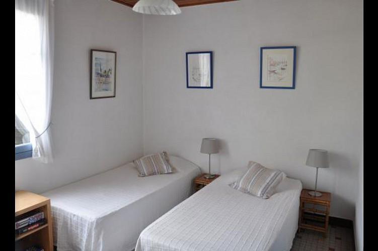 Les Grillons .Maison de vacances à 100m de la plage de la Parée