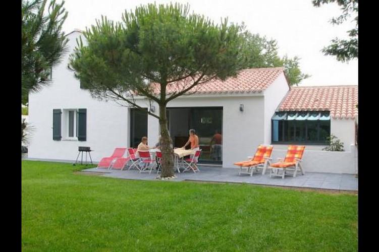 A 200m de la plage maison neuve avec jardin clos et paysagé sur l'île de Noirmoutier