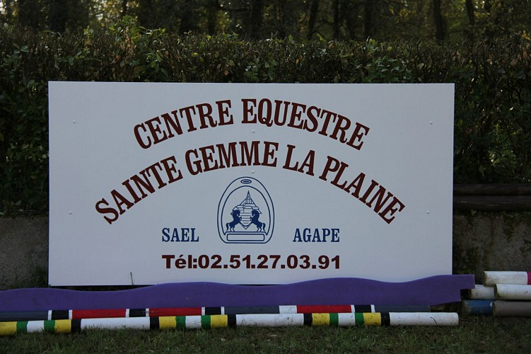 "CENTRE EQUESTRE SAEL ""LA FORET"""