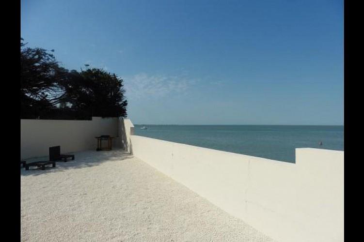 Maison avec vue privilégiée sur l'océan