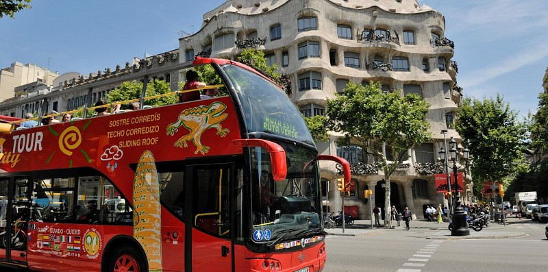Tour de Barcelone en bus à arrêts multiples : Pass 1 ou 2 jours