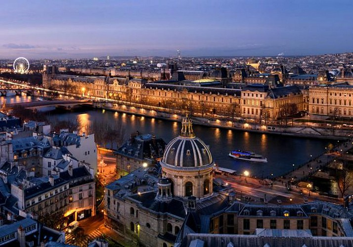 Seine River Cruise – Champagne or Aperitif package